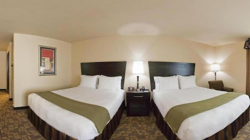 . Holiday Inn Express Hotel & Suites Eastland