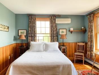Tek Büyük Yataklı Oda, Banyolu/duşlu (deluxe Main Lodge Room)