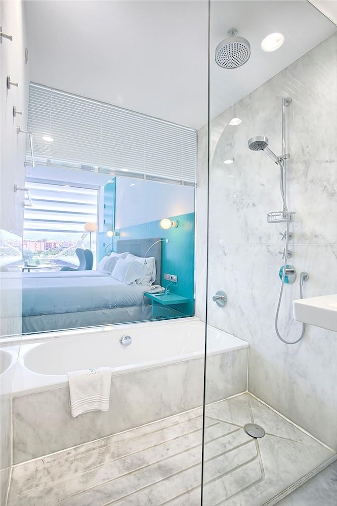 호텔 히베루스(Hotel Hiberus) Hotel Image 15 - Bathroom