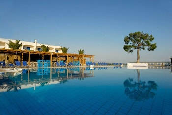 Hotel - Kinetta Beach Resort & Spa - All Inclusive