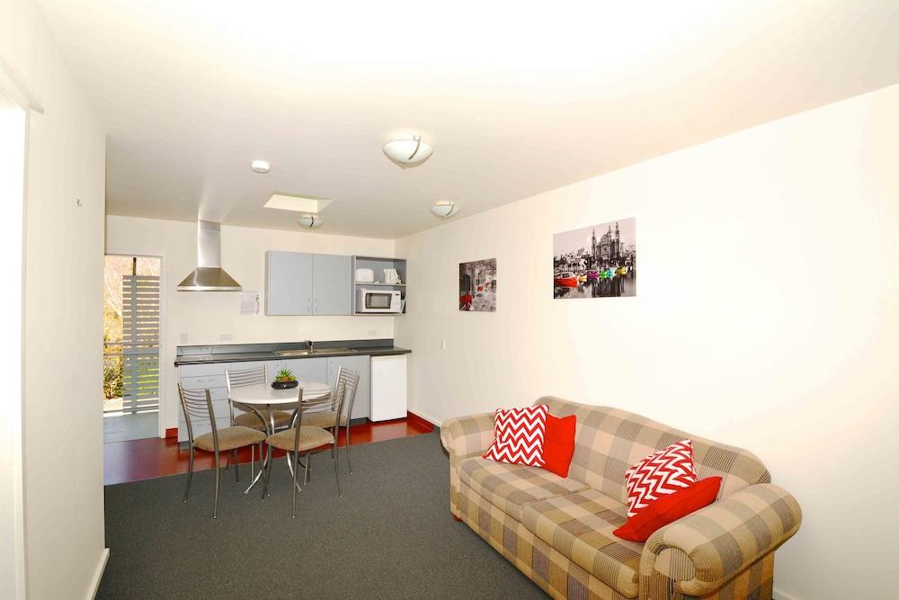 그린스 모텔(Greens Motel) Hotel Image 5 - Guestroom