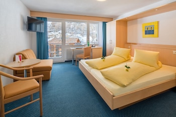 Standard Double or Twin Room, Balcony, Mountain View