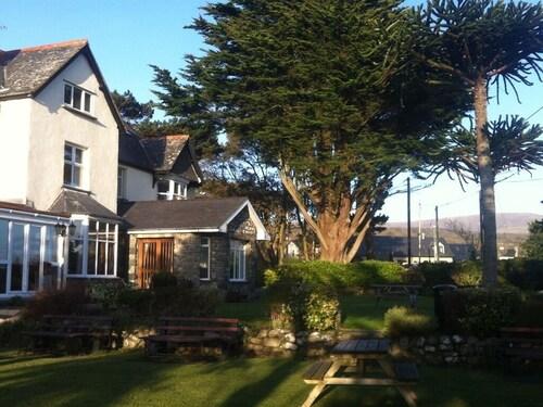 . Cadwgan House Hotel