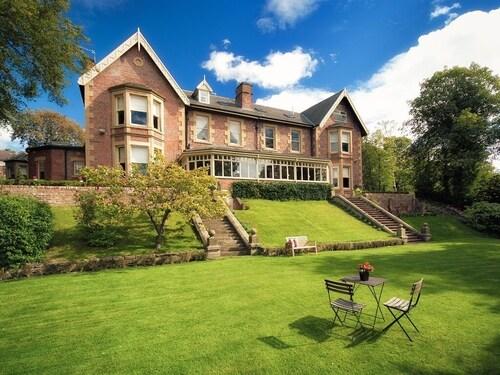 . Eslington Villa