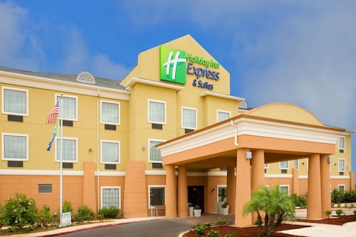 . Holiday Inn Express Jourdanton - Pleasanton