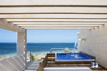 Beachfront Two Story Casita Suite w/ Plunge Pool