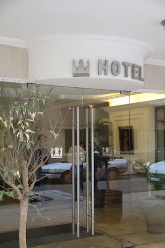 Napoleon Hotel, Beirut