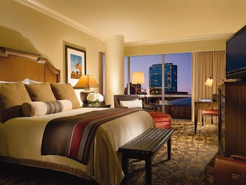 Guestroom at Omni Fort Worth Hotel in Fort Worth
