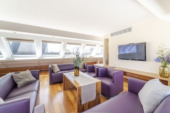 Presidential Suite, 2 Bedrooms, 2 Bathrooms, City View (with Balcony)