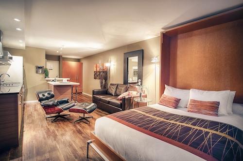 Nuvo Hotel Suites, Division No. 6