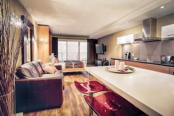 Studio Suite, 1 Queen Bed, Balcony