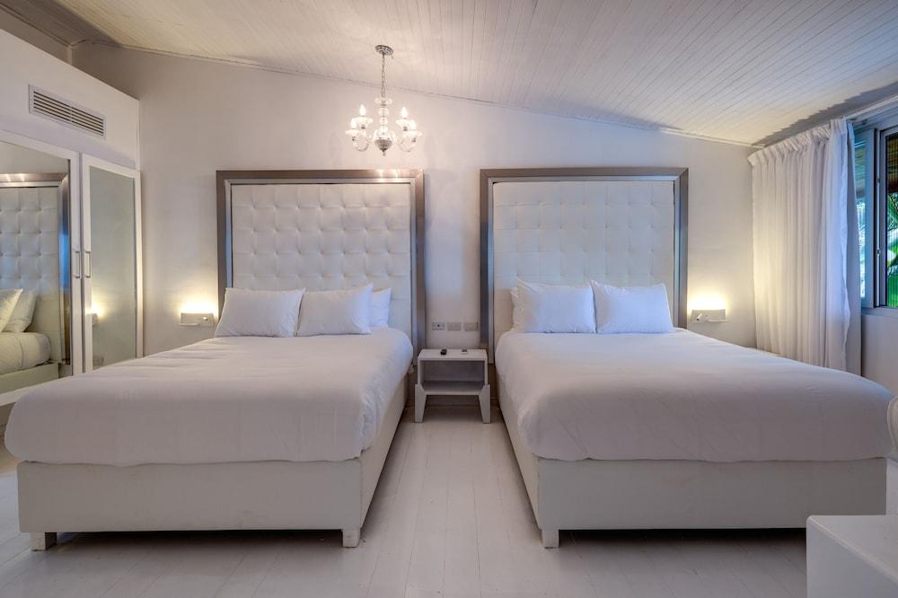https://i.travelapi.com/hotels/3000000/2290000/2281400/2281332/1ba978d7_z.jpg