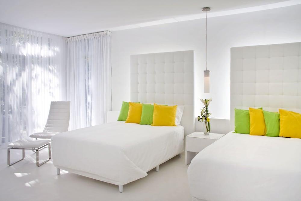 https://i.travelapi.com/hotels/3000000/2290000/2281400/2281332/358c4b28_z.jpg