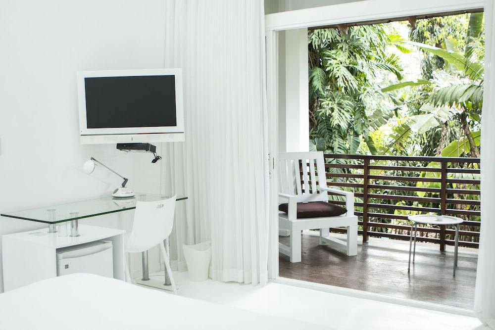 https://i.travelapi.com/hotels/3000000/2290000/2281400/2281332/44e3731b_z.jpg