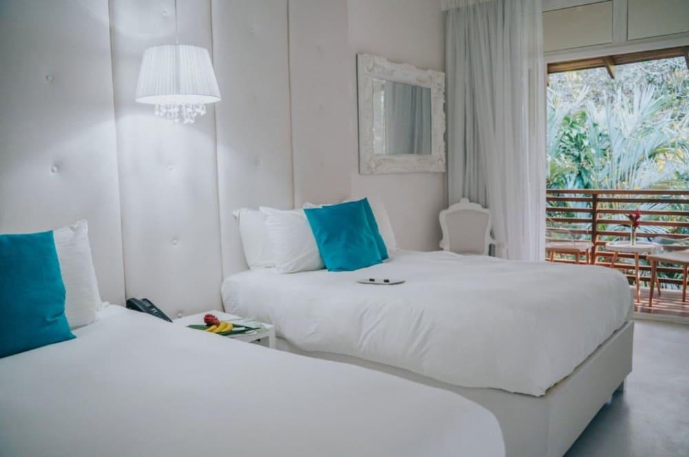 https://i.travelapi.com/hotels/3000000/2290000/2281400/2281332/a79f19b9_z.jpg