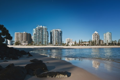 Reflection Tower Two, Coolangatta