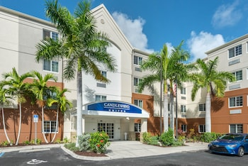 Hotel - Candlewood Suites Fort Myers Sanibel Gateway