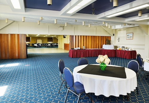 Slemon Park Hotel & Conference Centre, Prince
