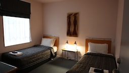 Suite, 2 Bedrooms, Accessible, Refrigerator & Microwave (with Sofabed)