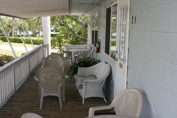 Hotel - Flamingo Inn Bayside Suites