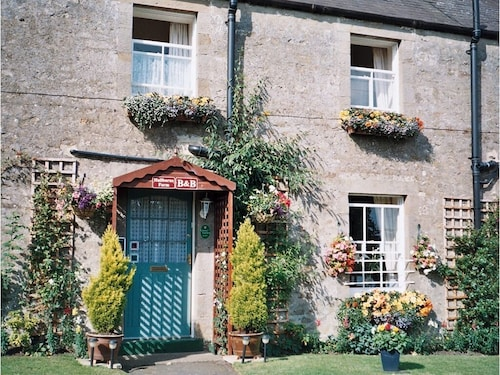 . Hallbarns Farmhouse Bed & Breakfast
