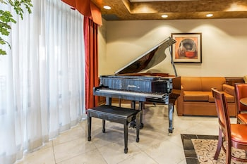 Lobby at Comfort Inn & Suites Henderson - Las Vegas in Henderson