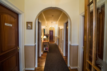Abbotswell Guesthouse - Interior Entrance  - #0