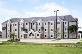 Microtel Inn and Suites by Wyndham Breaux Bridge