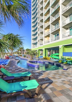 Exterior at Wyndham Vacation Resorts Towers on the Grove in North Myrtle Beach