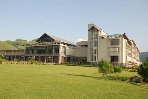 . Pearl Continental Hotel Muzaffarabad