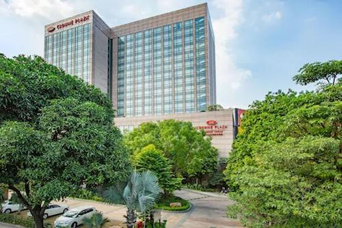 . Crowne Plaza Zhongshan Xiaolan