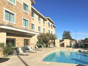 Comfort Inn & Suites Yuma I-8 photo