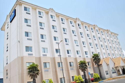 . Microtel Inn & Suites by Wyndham Toluca