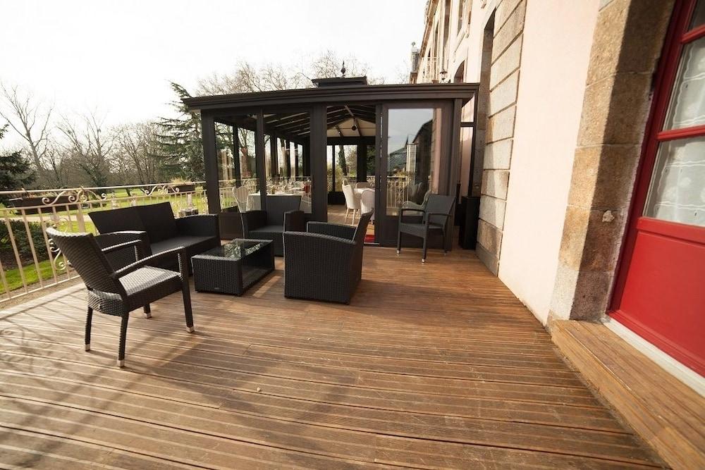샤토 뒤 콜롬비에(Château du Colombier) Hotel Image 32 - Hotel Lounge