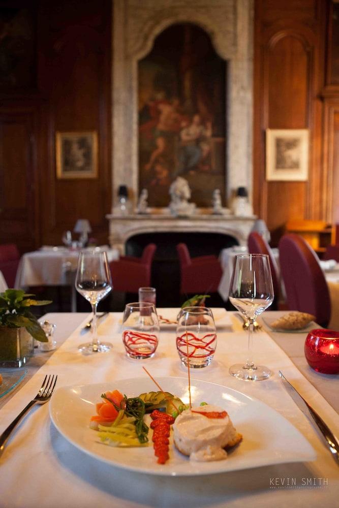 샤토 뒤 콜롬비에(Château du Colombier) Hotel Image 28 - Restaurant