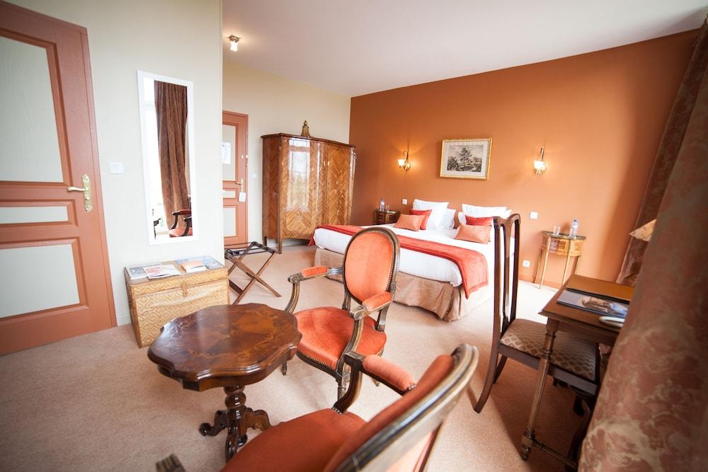 샤토 뒤 콜롬비에(Château du Colombier) Hotel Image 5 - Guestroom