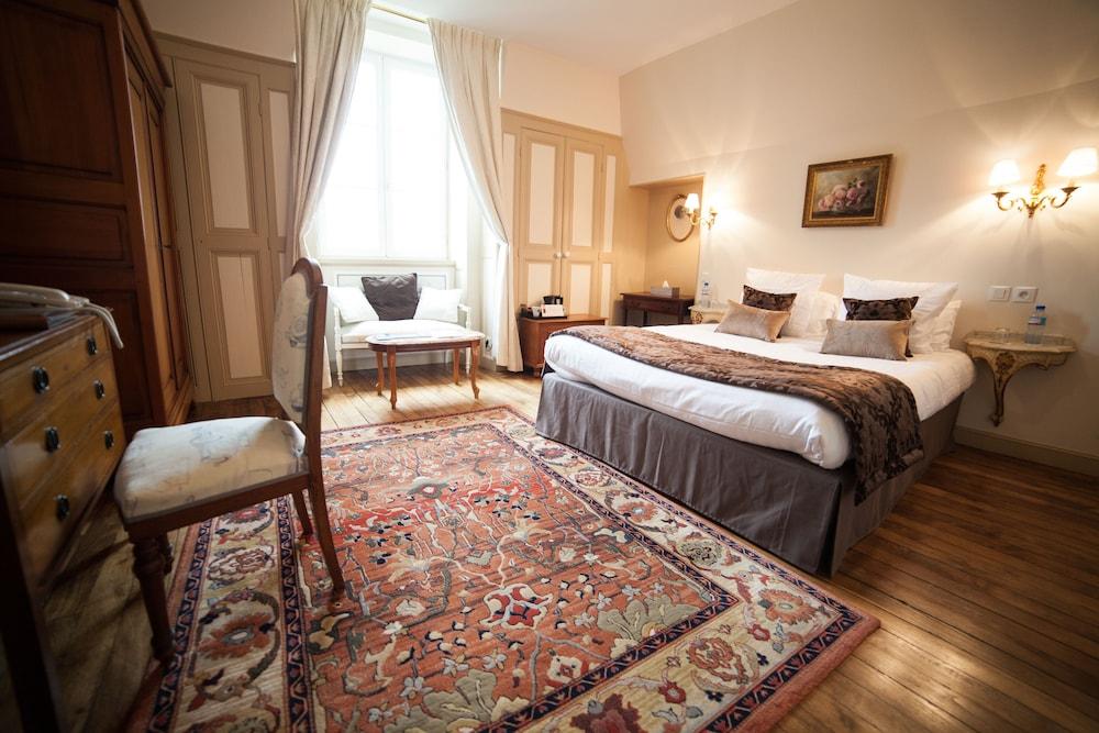 샤토 뒤 콜롬비에(Château du Colombier) Hotel Image 6 - Guestroom