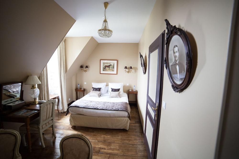 샤토 뒤 콜롬비에(Château du Colombier) Hotel Image 4 - Guestroom