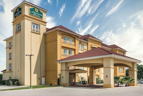 . La Quinta Inn & Suites by Wyndham Brownwood