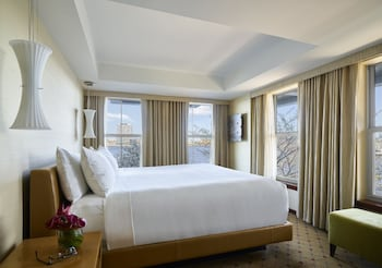 Suite, 1 King Bed, Harbor View