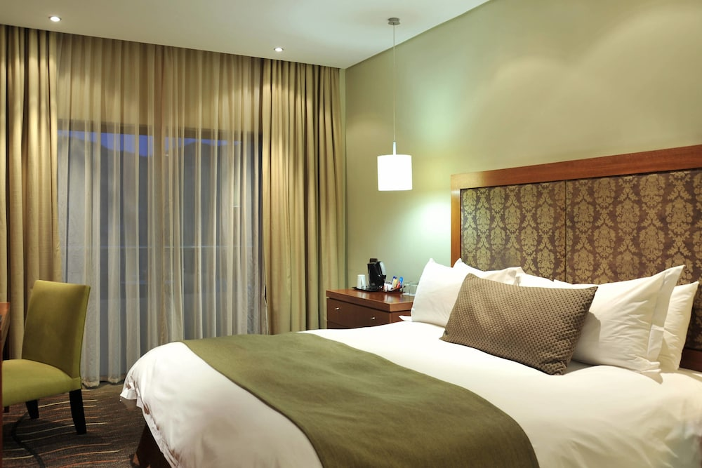 프로테아 호텔 바이 메리어트 클라렌스(Protea Hotel by Marriott Clarens) Hotel Image 13 - Guestroom