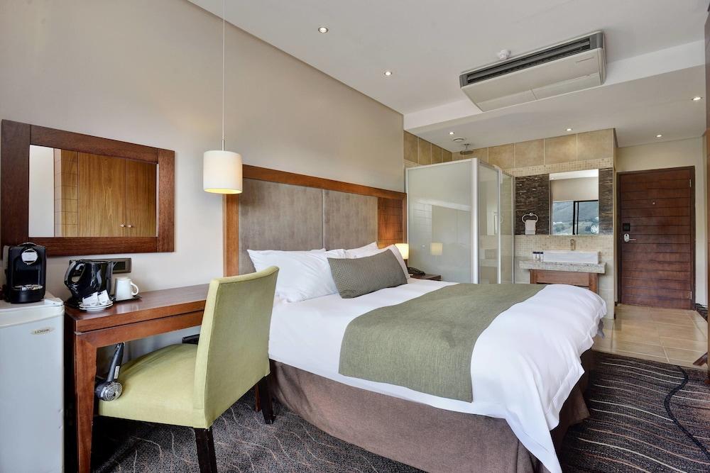 프로테아 호텔 바이 메리어트 클라렌스(Protea Hotel by Marriott Clarens) Hotel Image 14 - Guestroom