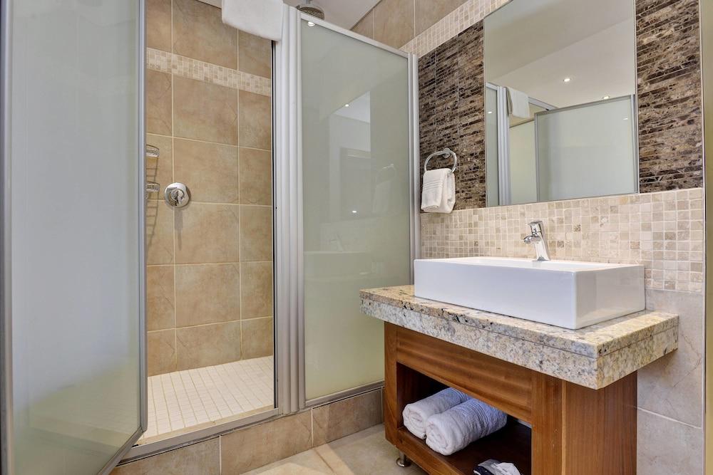 프로테아 호텔 바이 메리어트 클라렌스(Protea Hotel by Marriott Clarens) Hotel Image 18 - Guestroom