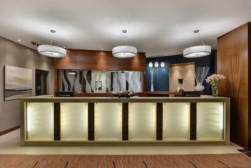 프로테아 호텔 바이 메리어트 클라렌스(Protea Hotel by Marriott Clarens) Hotel Image 4 - Lobby