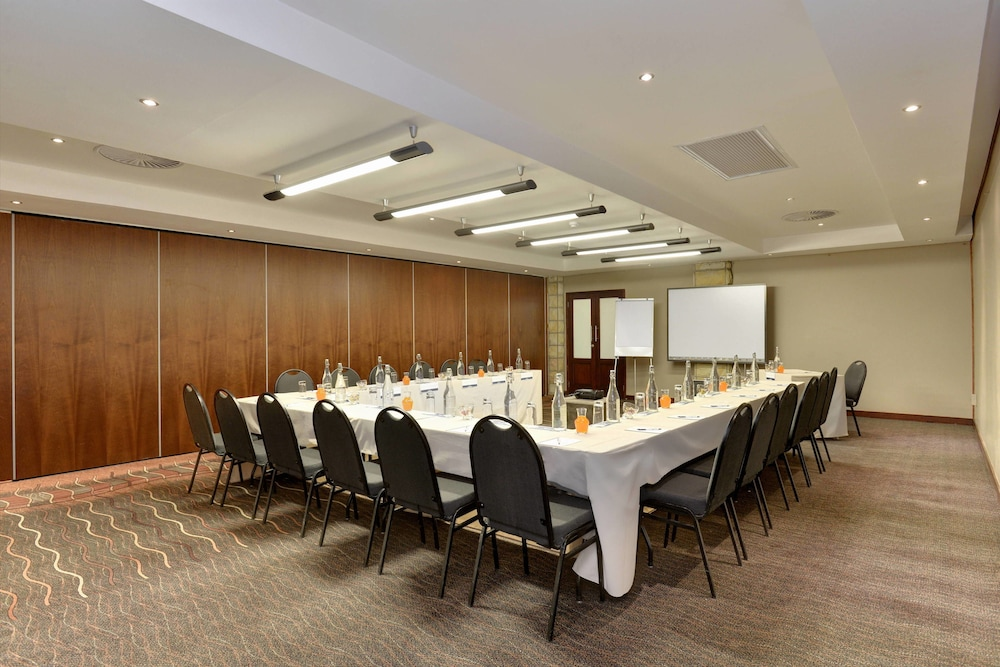 프로테아 호텔 바이 메리어트 클라렌스(Protea Hotel by Marriott Clarens) Hotel Image 64 - Meeting Facility