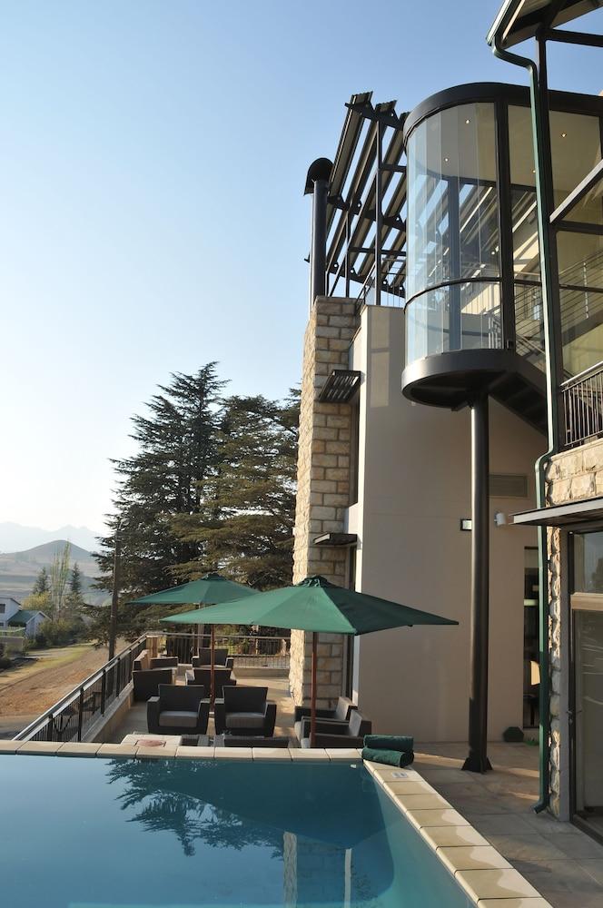 프로테아 호텔 바이 메리어트 클라렌스(Protea Hotel by Marriott Clarens) Hotel Image 44 - Outdoor Pool