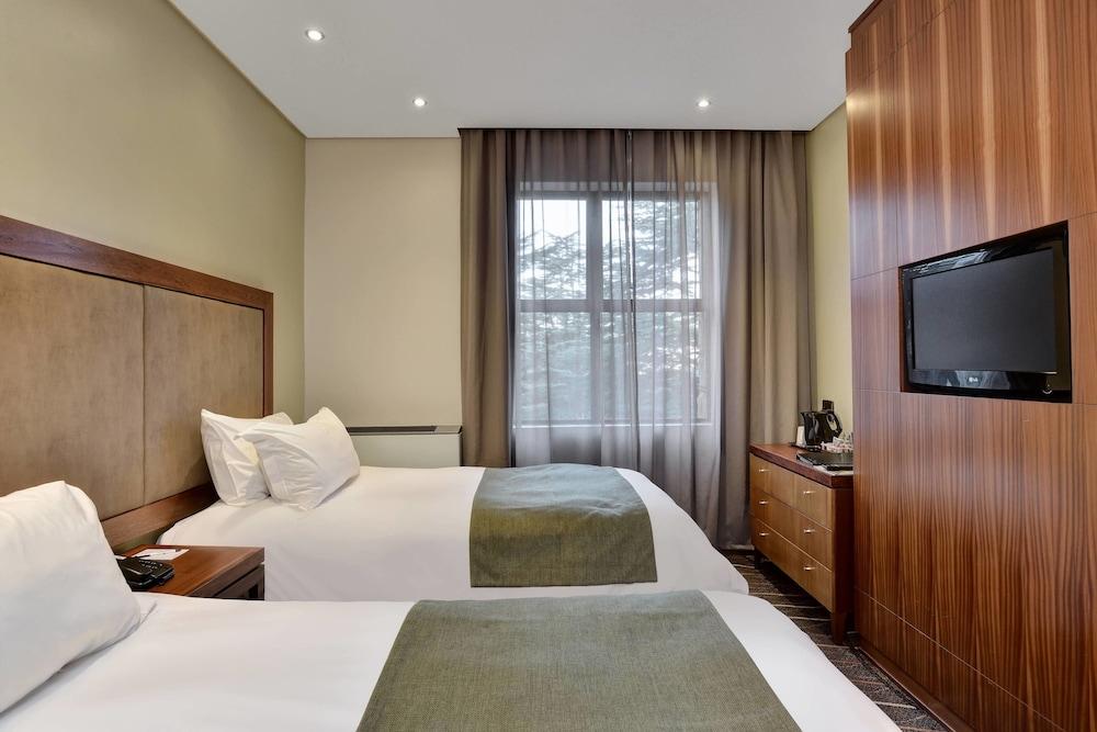 프로테아 호텔 바이 메리어트 클라렌스(Protea Hotel by Marriott Clarens) Hotel Image 30 - Guestroom