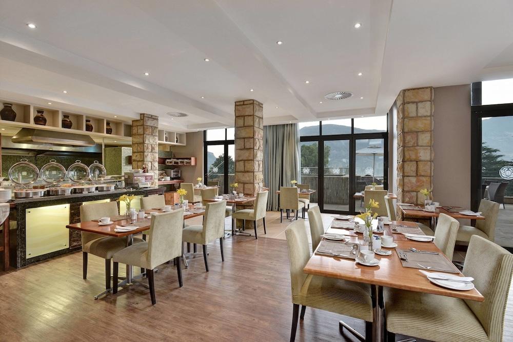 프로테아 호텔 바이 메리어트 클라렌스(Protea Hotel by Marriott Clarens) Hotel Image 54 - Restaurant
