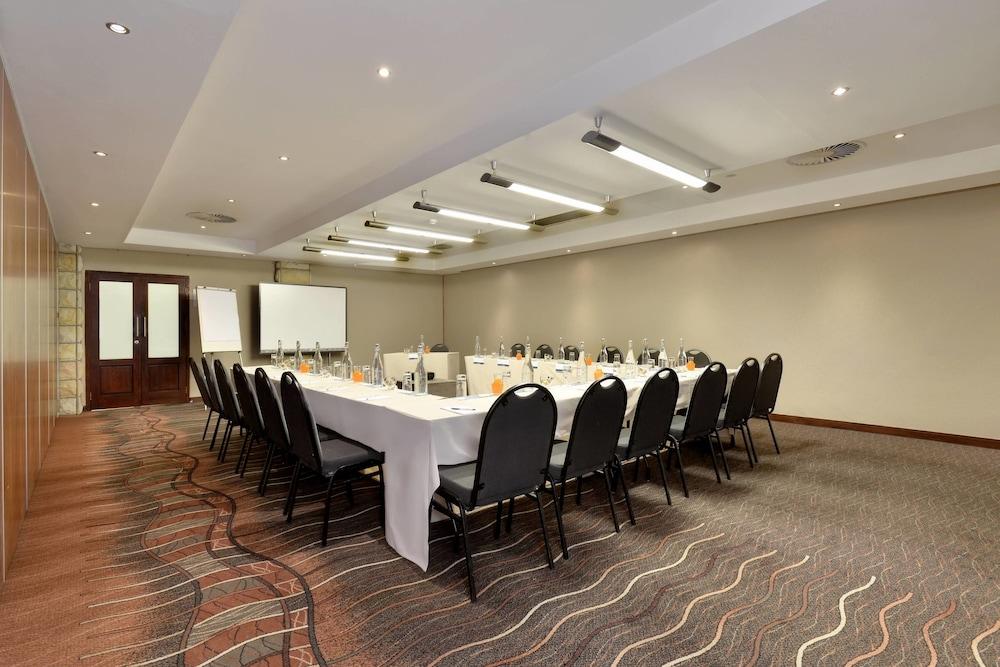 프로테아 호텔 바이 메리어트 클라렌스(Protea Hotel by Marriott Clarens) Hotel Image 68 - Meeting Facility