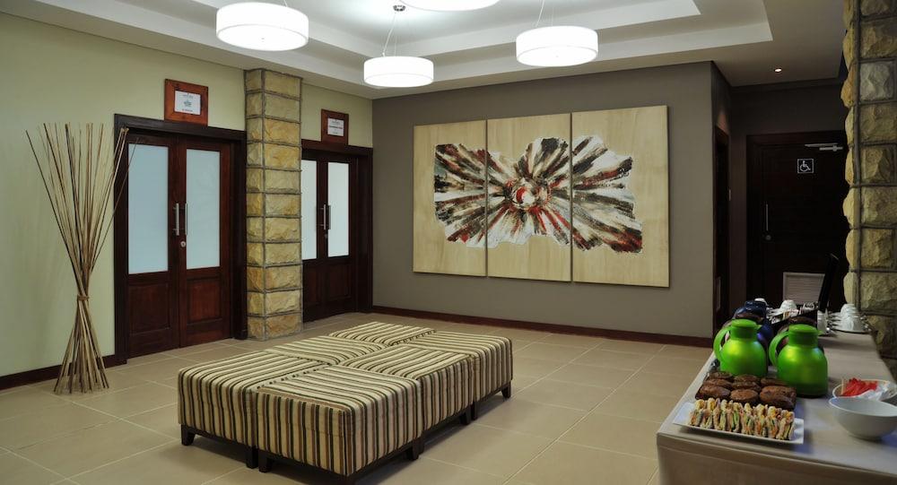 프로테아 호텔 바이 메리어트 클라렌스(Protea Hotel by Marriott Clarens) Hotel Image 49 - Property Amenity